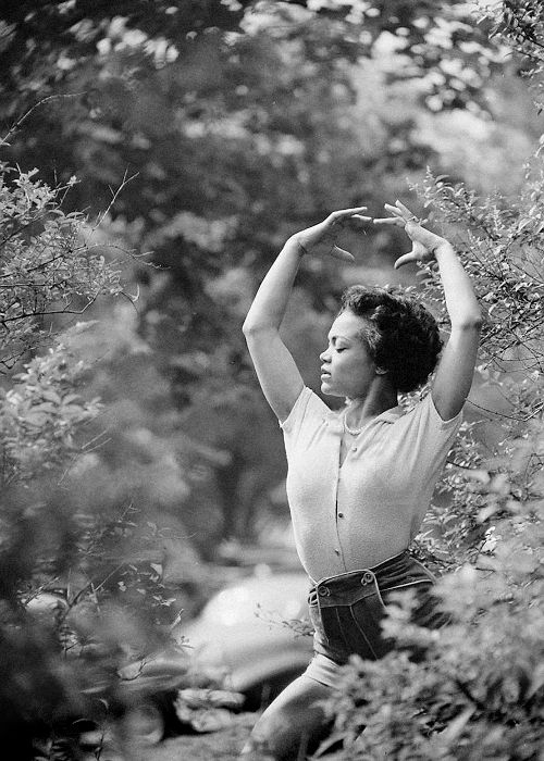 eartha kitt - gordon parks 1952