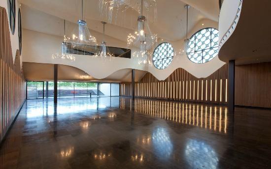 The Cava and Hotel MasTinell, Vilifranca des Pendes, Spain | Cava & Hotel Mastinell: Salon Mastinell