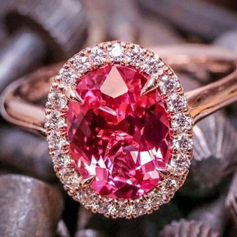 Hey Austin, Texas! See this spinel ring and more Omi Privé color at @ckrdesigns #omiprive #ohmyomi #ring #spinel #diamonds #pink #rosegold #jewelry