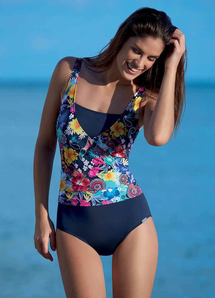A pretty floral mastectomy swimsuit from SUNMARIN®!