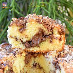 Torta soffice allo yogurt con wafer e crema alle nocciole-ricetta torte-golosofia