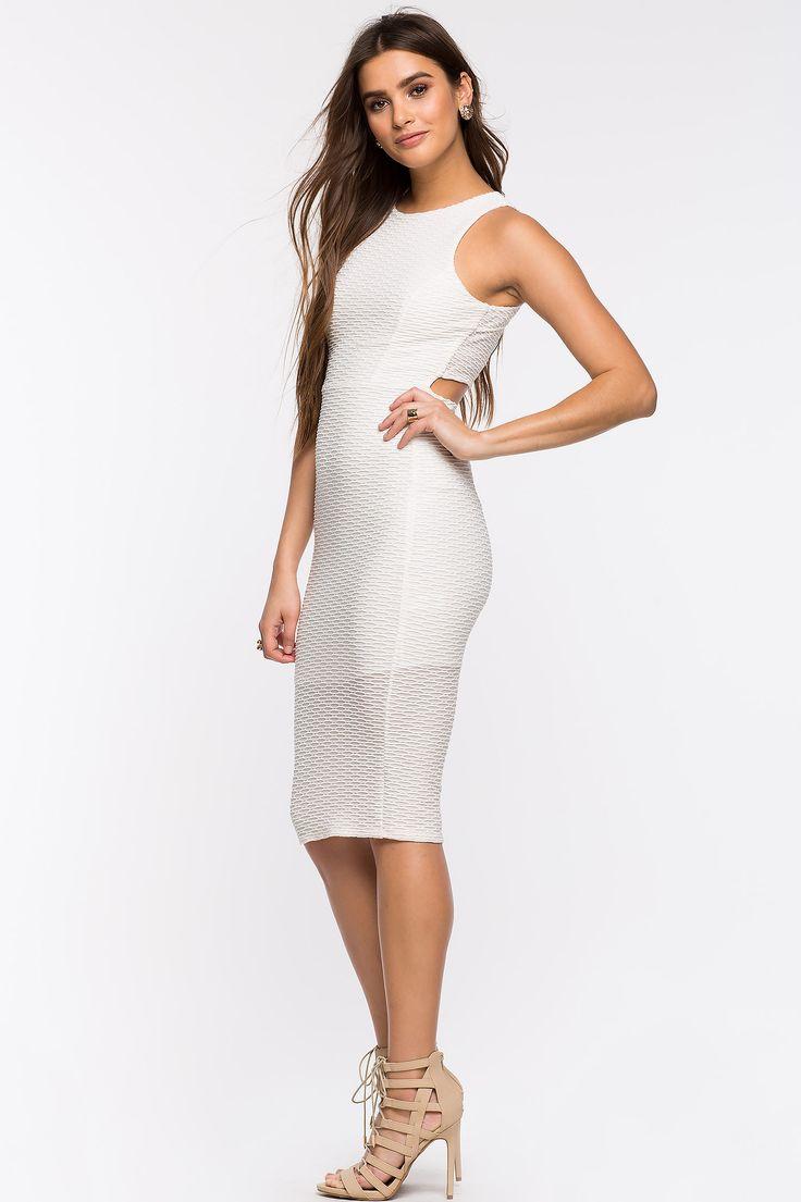 Платье Размеры: S, M, L Цвет: кремовый Цена: 2373 руб.     #одежда #женщинам #платья #коопт