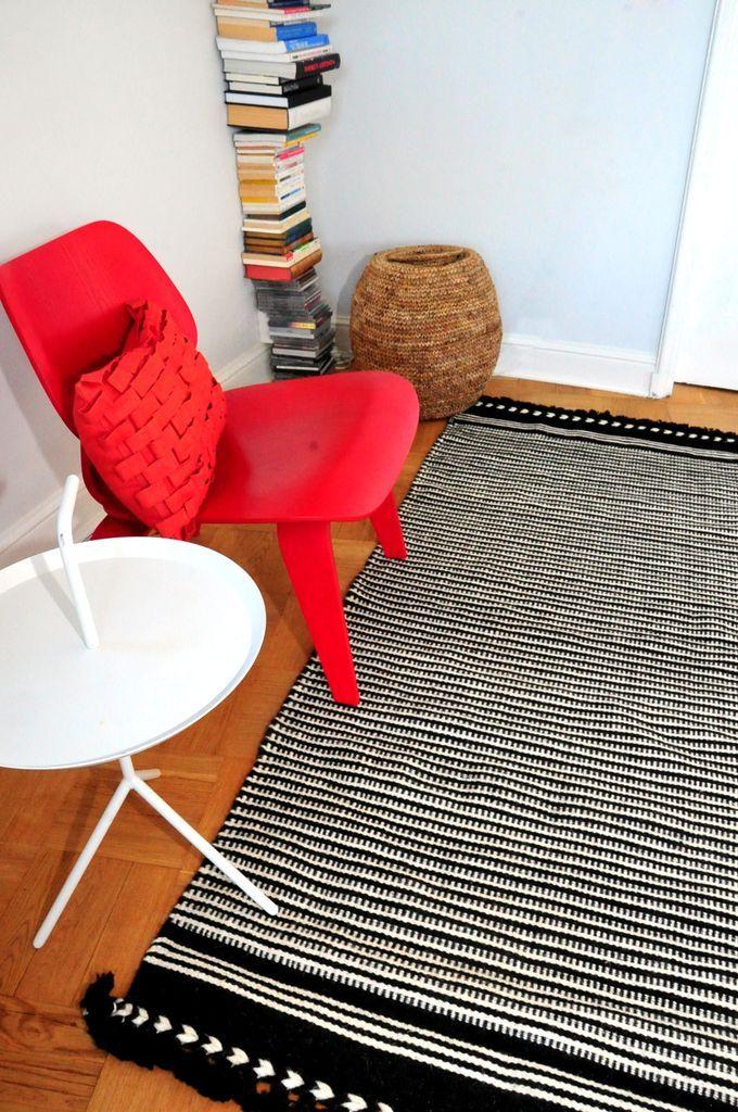 Tikau Rail, 90 x 180 cm, black&white hand made wool carpet www.tikau.com