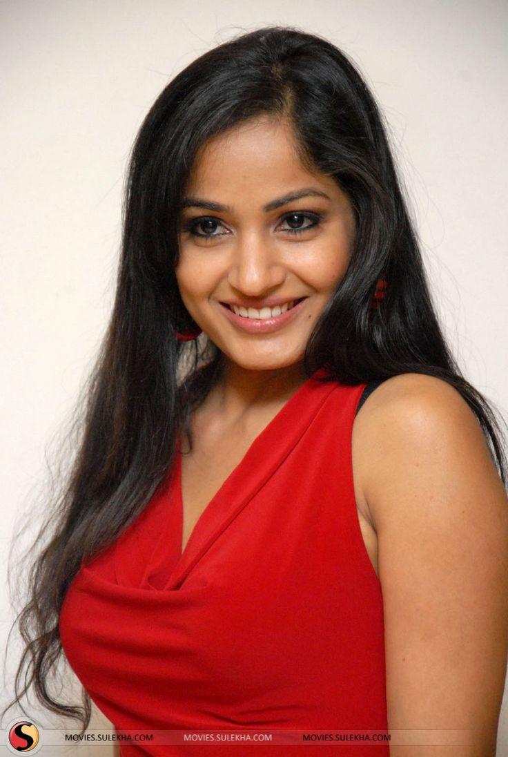 Actress Madhavi Latha Hot Pics