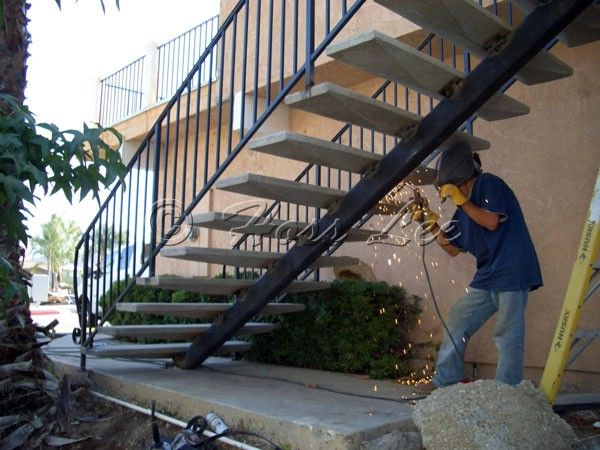Best Curved Outdoor Staircase With Concrete Steps With Metal 640 x 480