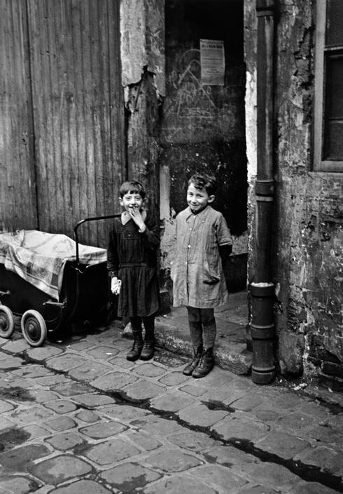 France. Paris, 1936 // Robert Capa