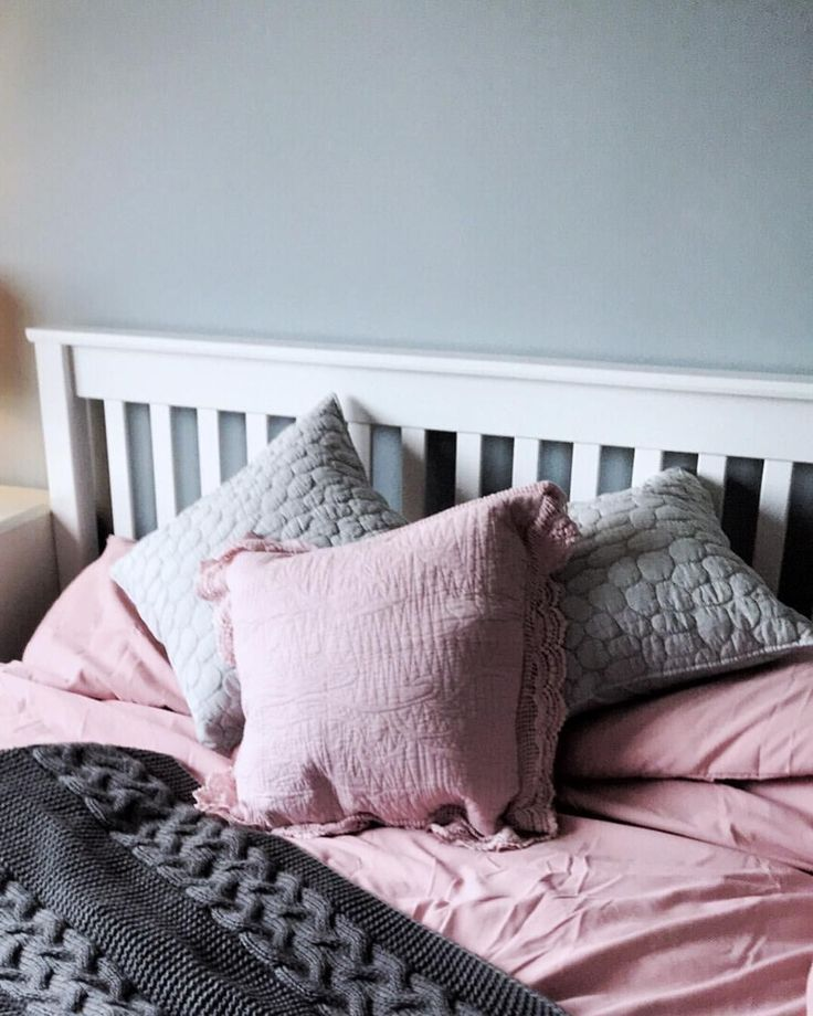 Pink and grey bedding (All bedding and cushions from Dunelm Mill ...
