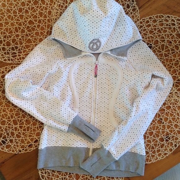 Rare Lululemon Polka Dot Stretch Scuba Hoodie Has hardly ever been worn!! Polka dots are so cute and look is great for spring. lululemon athletica Tops Sweatshirts & Hoodies
