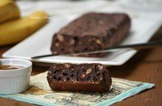 Vegan banana bread senza zucchero al cacao. Pochi ingredienti per un pane alla banana leggero e delizioso. Vi invito ad assaggiarlo!