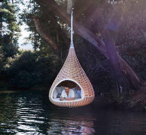 Con al Nestrest obra del equipo de diseño The Studio ALLT podrás echar la siesta colgado de lo que quieras, encima de un río, colgado de un acantilado...
