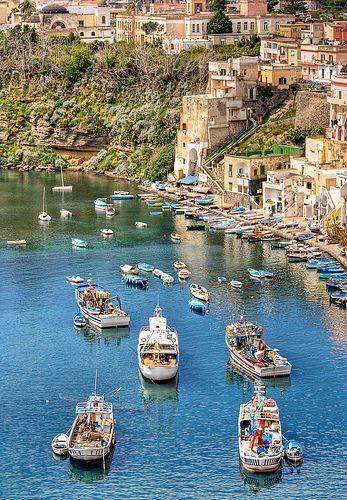 Marina di Corricella #Napoli #Italy #seaside