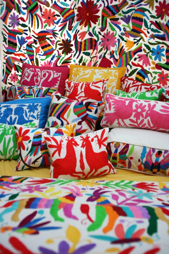 Otomi embroidered textiles known as tenangos originate from the indigenous Otomi people of Hidalgo and Queretaro, Mexico.