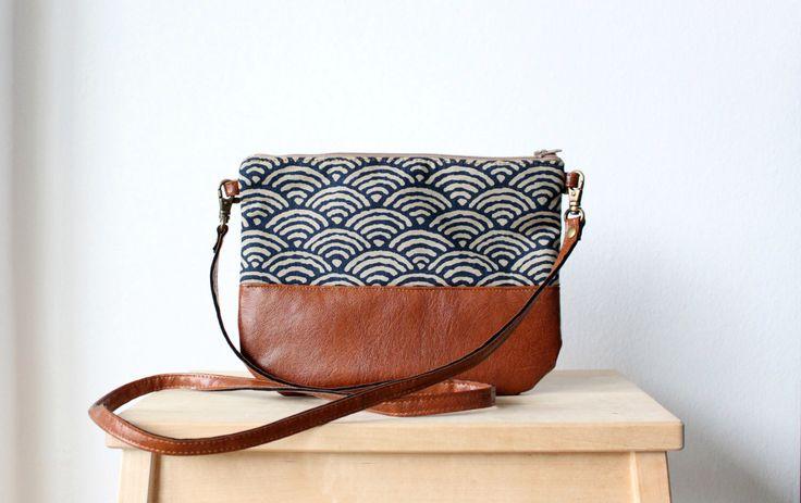 Crossbody leather bag, Clutch Purse, Every day purse, Vegan, Every day bag, Brown par HelloVioleta sur Etsy https://www.etsy.com/fr/listing/209682625/crossbody-leather-bag-clutch-purse-every