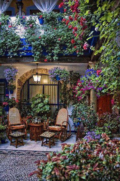 コルドバにある美しいユダヤ人街「花の小路」。スペイン旅行のおすすめ見所・観光アイデアまとめ。