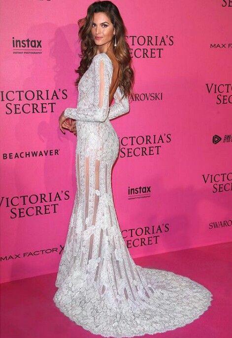 Angel Izabel Goulart Victoria Secret fashion Show 2016