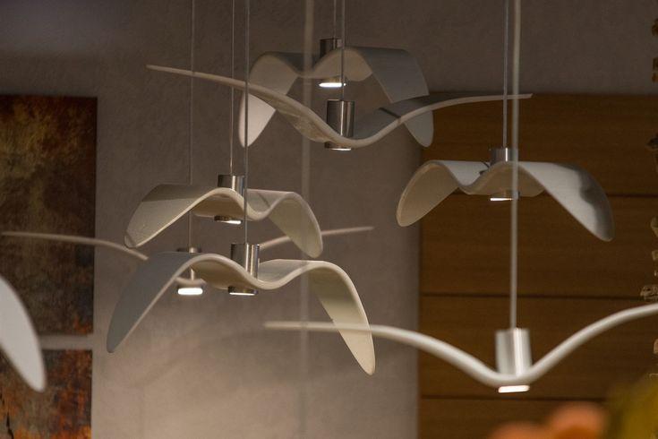 Svítidla Night Birds od Borise Klimka (Brokis) jsou z recyklovaného skla.