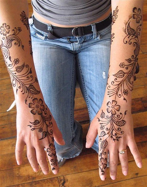 Henna Design: Floral Henna Design