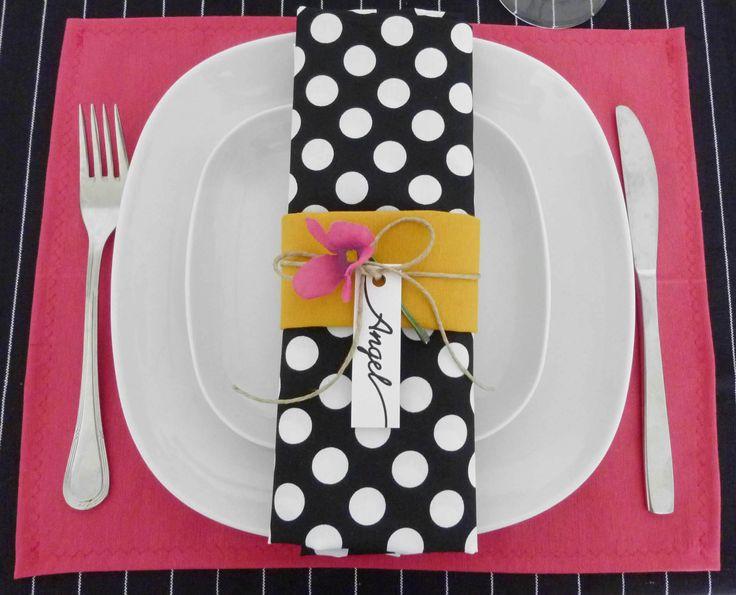 decoración de mesa en rosa y mostaza
