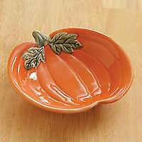 I love this little dish and it is in the Pampered Chef Outlet for only $5. Got get one.