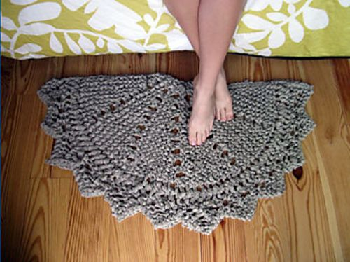 Ravelry: Rag Doily Rug pattern by Julie Weisenberger