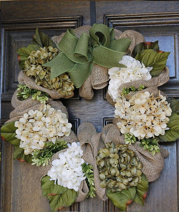 Spring wreath with burlap and Hydrangea