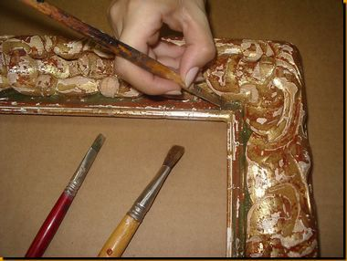 MARCO TALLADO ARTESANAL Marco barroco tallado a mano.realizando policromía en verde roto. marcos artesanos de estilo. PRECIOS DE TALLER