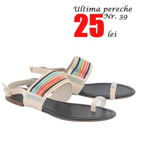 Ultima pereche  http://www.superpantofi.ro/sandale-rainbow-flat-990