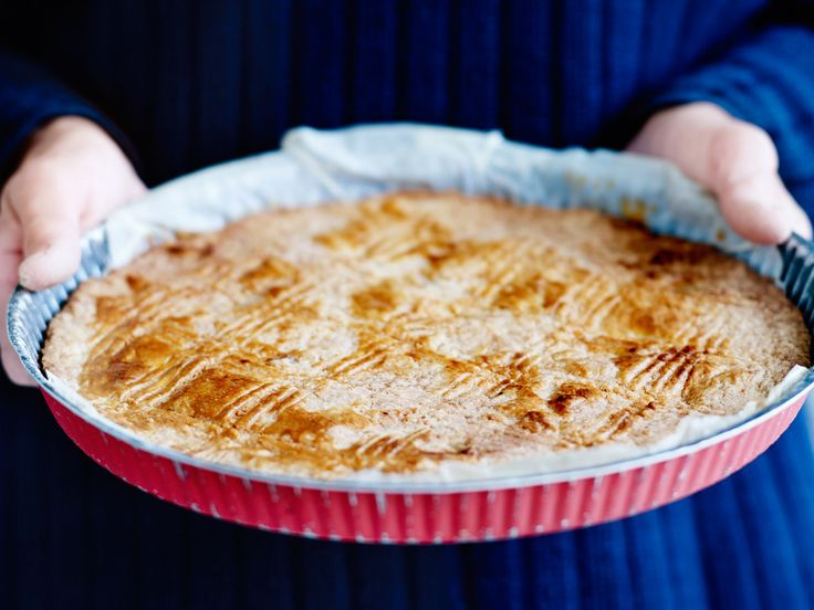 Découvrez la recette Galette charentaise sur cuisineactuelle.fr.