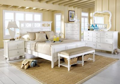 Affordable queen bedroom sets. Variety of colors and styles, including 5 and 6-piece bedroom furniture suites with queen size beds, dressers, mirrors, etc.
