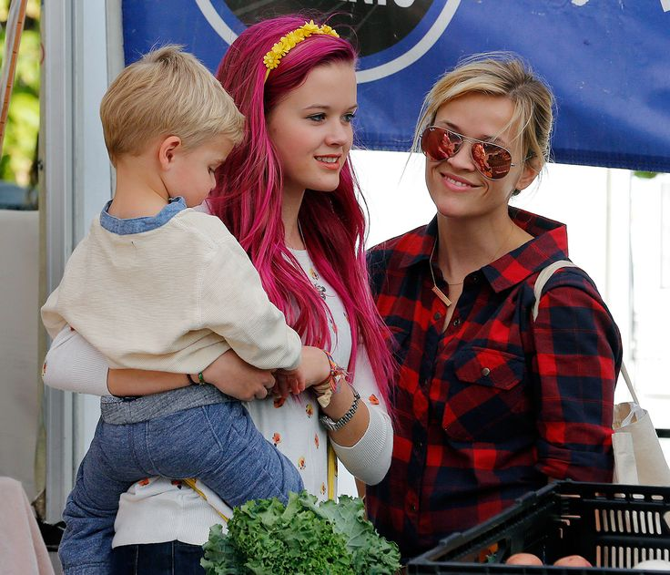 Reese Witherspoon, Ava Elizabeth Phillippe, and Deacon Reese Phillippe