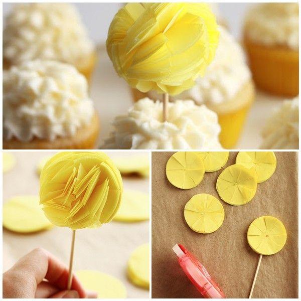 Kağıt Ponpondan Cupcake Süsü