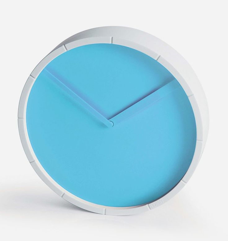 The Lexon Glow Analog Wall Clock combines stunning simplicity with a gorgeous colour palette. Its clock hands have a slight glow that allows quick and accurate reading. Add a touch of wonderful design to any space with this medium sized wall clock. http://www.zocko.com/z/JH0R6