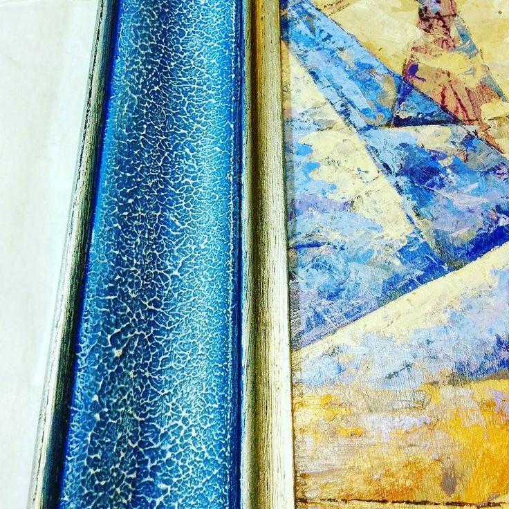 Colorazione e foglia #argento su base materica in gesso mettiamo un po' di #colore in questo grigio lunedì... #cornice #particolari #blu #dipinto #fattoamano #artigianale #chiavari #genova #pictureframe #color #design #blue #handmade #paint #photooftheday #woodinterior #art #cornicidaincorniciare