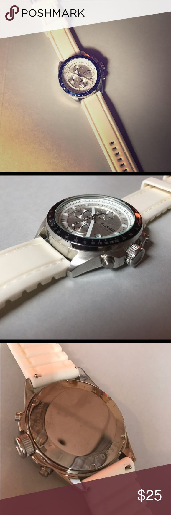 Men's Fossil Watch with Silicone Band NEEDS BATTERY REPLACEMENT! Men's Fossil Watch with white silicone band and circular stainless steel face. Light wear. Fossil Other