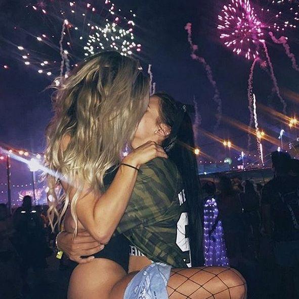 #love #love4love #loveforever #couple #cutecouple #couple #girl #girls #kiss #queer #queergirl #queerwoman #bi #bisexual #gay #lesbian #gaygirl #gaypr…