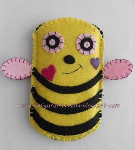Amigurumi Aşkına: Keçe arı ve ayıcık telefon kılıfı