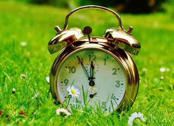 TIPS TO SPRING FORWARD INTO DAYLIGHT SAVINGS TIME