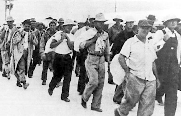 24 Dec 41: After fifteen days of valiant fighting, US forces and civilian contractors defending Wake Island are finally forced to surrender to the attacking Japanese. #WWII #History