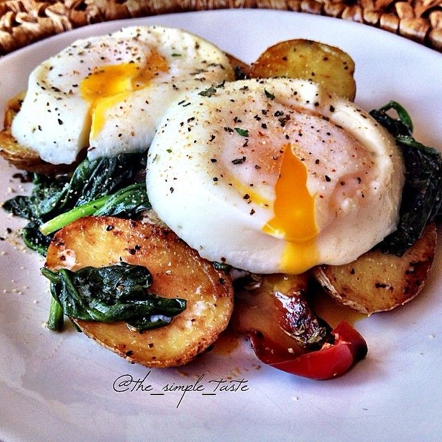 Sautéed Spinach, Poached Eggs, + Roasted Potatoes
