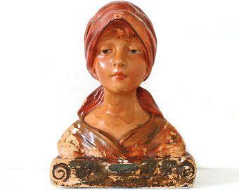 Reizende Weinlese-Französisch Chalkware Büste einer Land-Mädchen.  Shabby Chic.  1920.