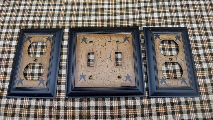 PRIMITIVE CRACKLE DOUBLE LIGHT SWITH PLATE & 2 OUTLET PLATES BLACK STAR