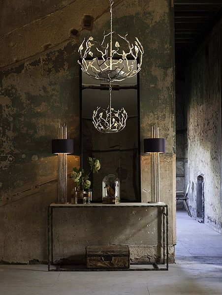 I love the hanging light - Persephone's Box