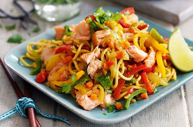 Slimming World's spicy hot smoke salmon noodles