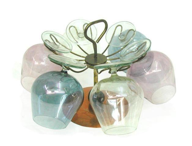 http://de.dawanda.com/product/79095255-Glasstaender-fuer-6-Cognacschwenker-vintage