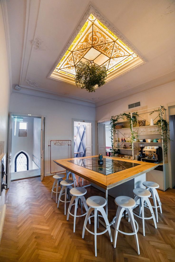 Simbio Kitchen & Bar in Bucharest Emerges In Charming Old Building.