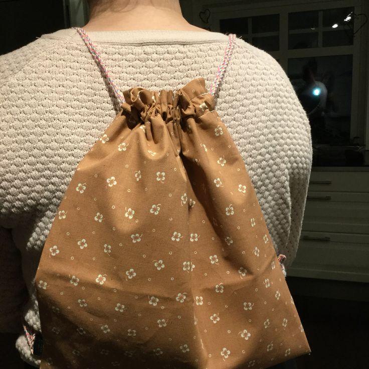 31. Du kan ha påsen som ryggsäck.