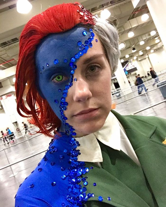 Last Friday, October 7th, the Comic Con Fest In New York City was home to some pretty amazing cosplays. The highlight this year? Rebecca Lindsay's awe-inspiring Mystique cosplay.
