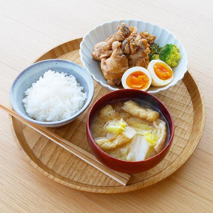 いいね!1,015件、コメント9件 ― ykazu(カズ)さん(@ykazuki)のInstagramアカウント: 「今日の一汁一菜 鶏手羽のさっぱり煮、おあげさんと白菜のみそ汁 ---- 手羽は煮込む前に塩を振り、出た水分を拭き取っておきます。さっぱり煮は鶏手羽4本でお酢、水、醤油を 2:1:1 で合計…」
