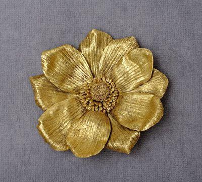 A Designer de Joias: Mulheres Icônicas do Sèculo 20   Broche de flor usado por Jacqueline Kennedy