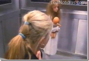 Ascensor del terror: Broma de cámara oculta se volvió fenómeno en internet - http://www.leanoticias.com/2012/11/30/ascensor-del-terror-broma-de-camara-oculta-se-volvio-fenomeno-en-internet/